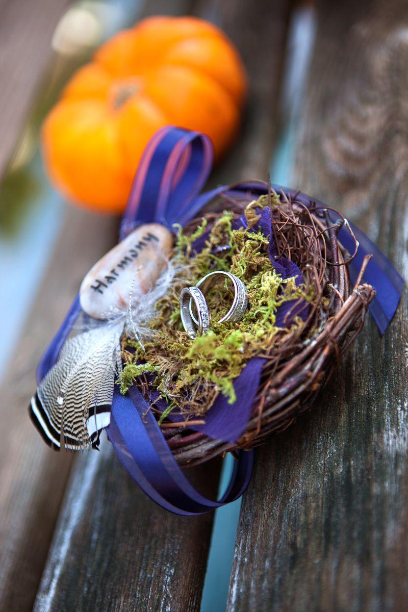 Wedding rings in a nest  #Fallwedding #wedding #Weddingrings