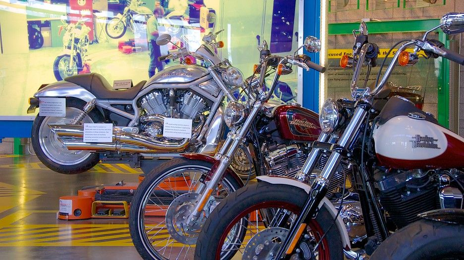 Harley Davidson Factory Tour 9:00 am – 1:30 pm Monday – Friday