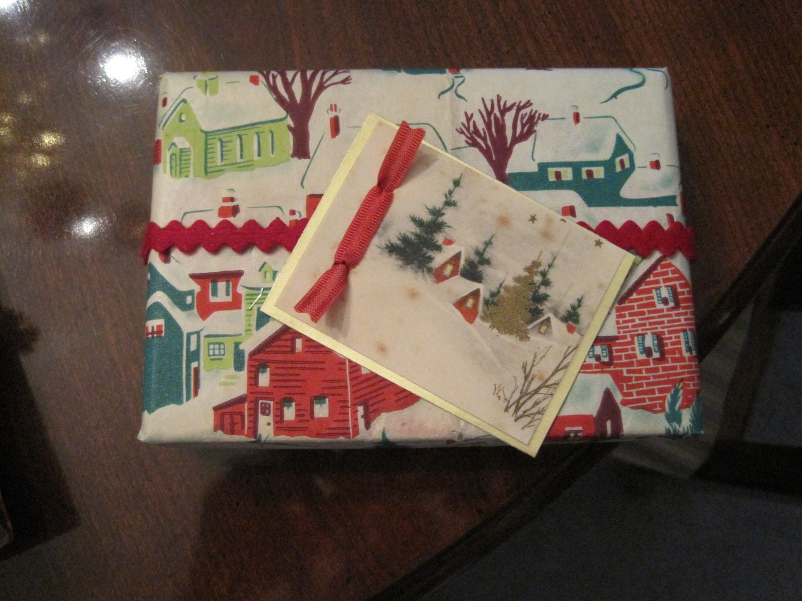 Vintage wrapping paper with a vintage card
