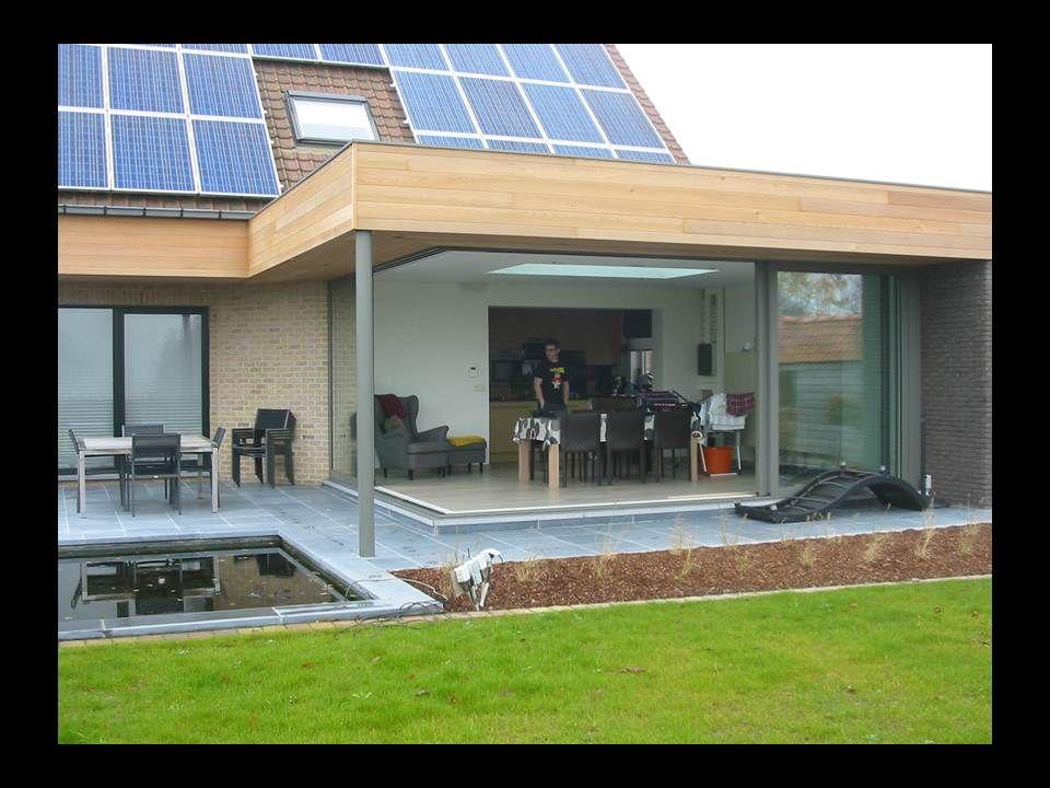 Uitbouw met plat dak de kopse kanten werden afgewerkt met cederhout reynaers cp 130 ls de - Pergola dak platte ...