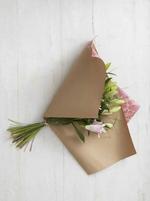 How to wrap a flower bouquet