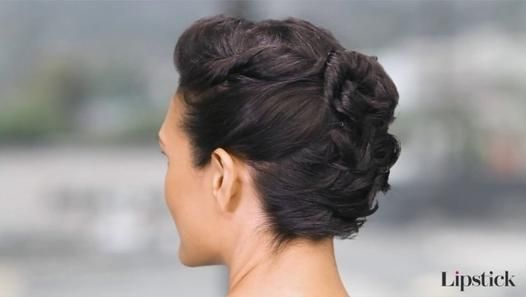 Hey Hair Genius A Gorgeous Updo Idea For Short Hair Short Hair Updo Pretty Short Hair Short Hair Styles Easy