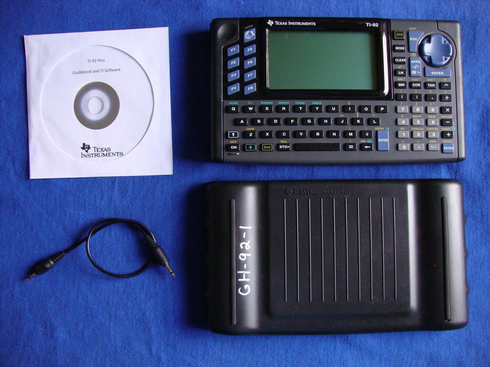 TI-92 Graphic Calculator TI92 Texas Instruments Graphing plus CD