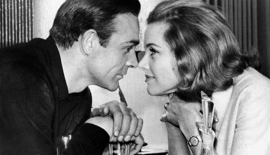 Blackman Honor Nude James Bond   50 Jahre 007: Frauen, Schurken, Autos - Bonds Beste   FTD.de