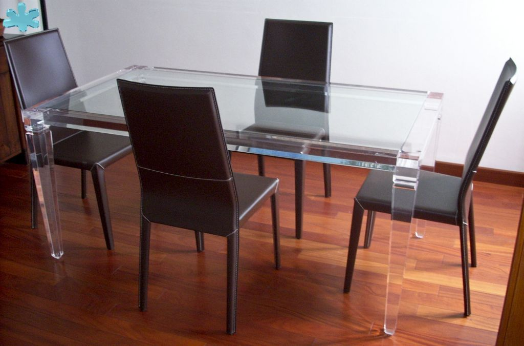 Modello lv1 tavolo trasparente acrylic diningtable for Tavolo trasparente