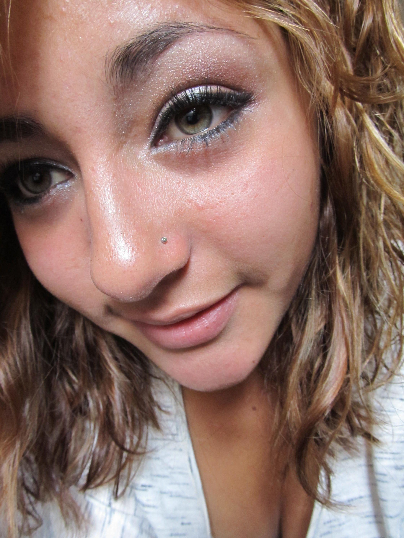 Simple pink eyeshadow and cateye liner