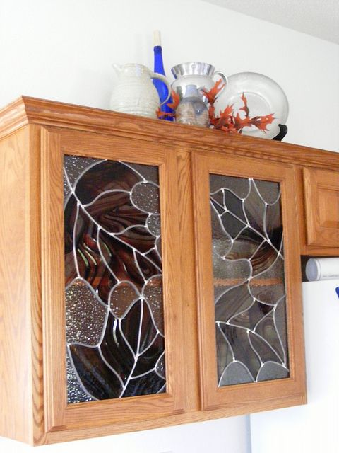 037   Stained glass cabinets, Stained glass flowers ...