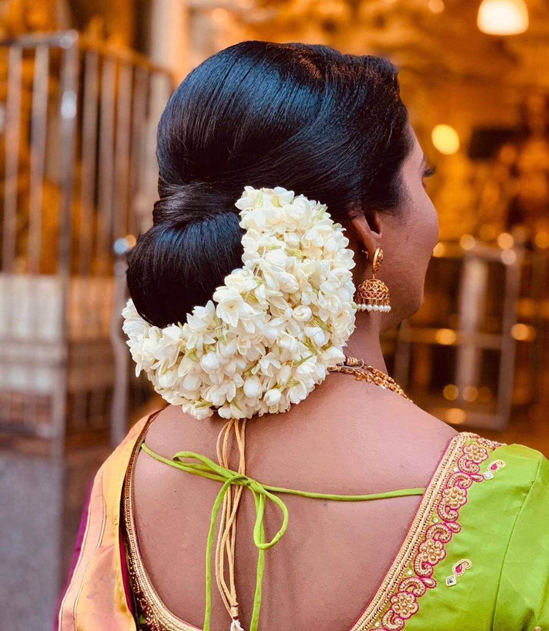 970 Likes 0 Comments The Wedding Makeoverz Theweddingmakeoverz On Instagram This Chignon Indian Bride Hairstyle Bridal Hair Buns Engagement Hairstyles