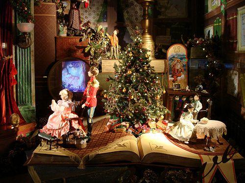 Lord & Taylor 2021 Christmas Windows Photos Lord Taylor Holiday Window Displays My Favorite Christmas Stories Holiday Window Display Christmas Window Display Christmas Display