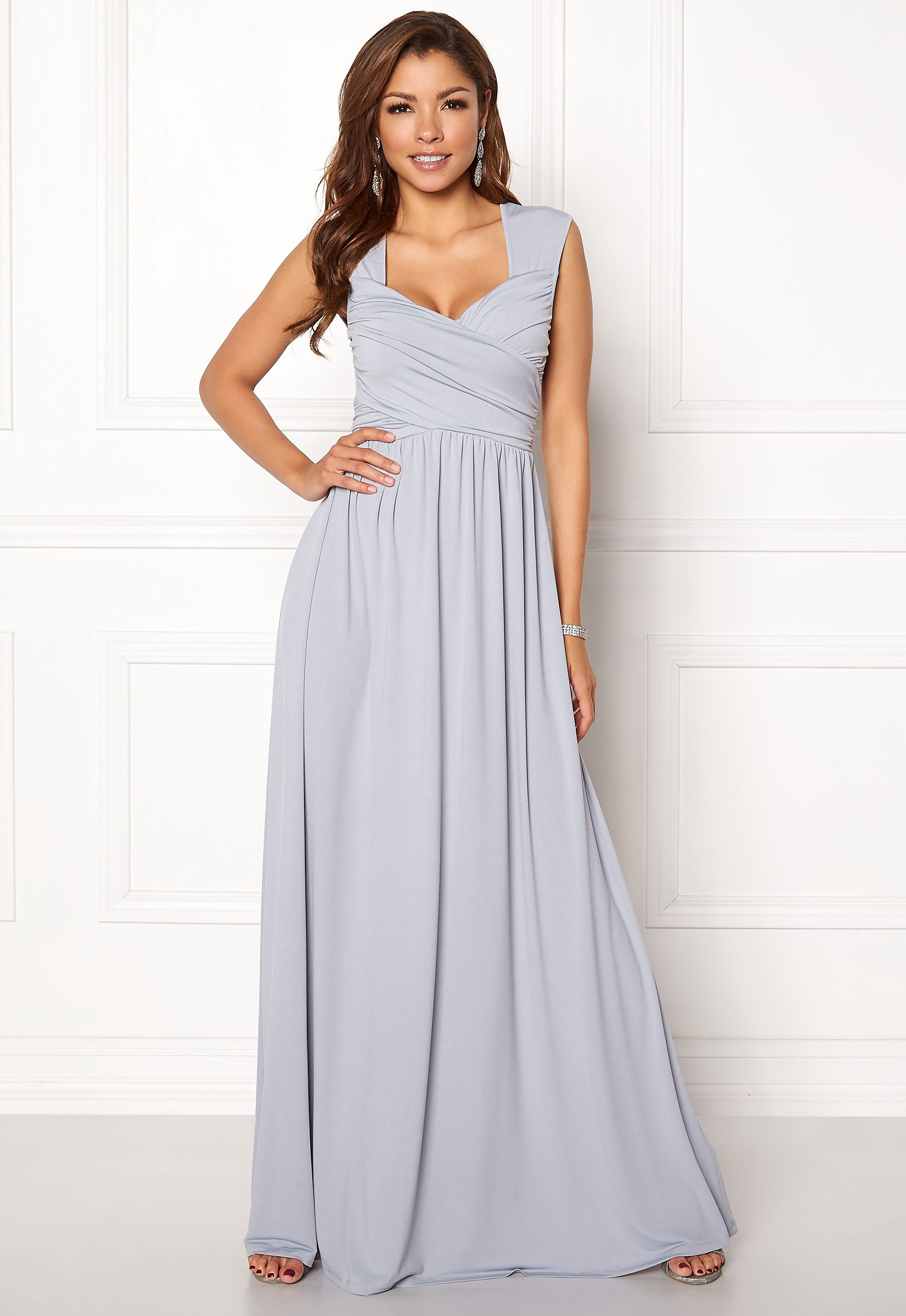 Chiara Forthi Kirily Maxi Dress Light grey - Bubbleroom   Wishful ... bfdd7872cd