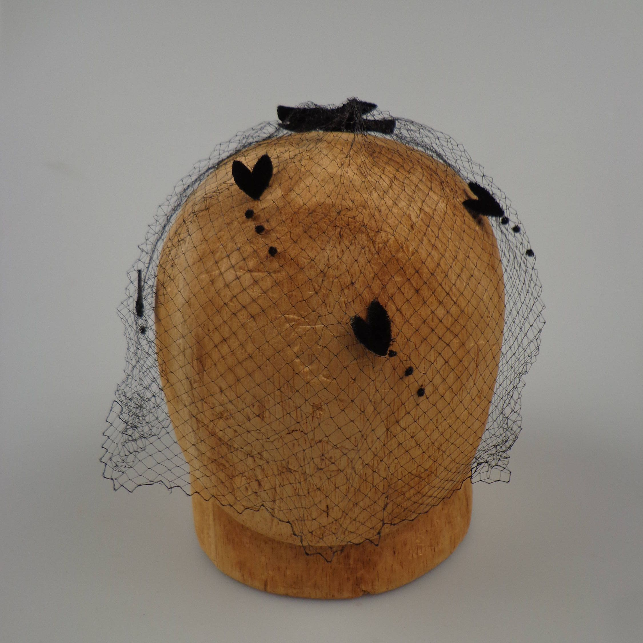 Vintage Birdcage Veil Hat/Fascinator - Blk Velvet Hearts - 50s - ECS by EdieMariesAttic on Etsy