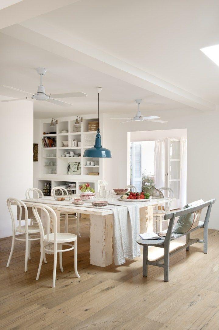 Estilo mediterr neo en formentera estilo n rdico de vacaciones y decoraci n en blanco - Muebles estilo mediterraneo ...