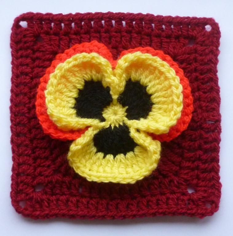 Pansy in square | Everything Crochet | Pinterest | Tejido, Cuadrados ...