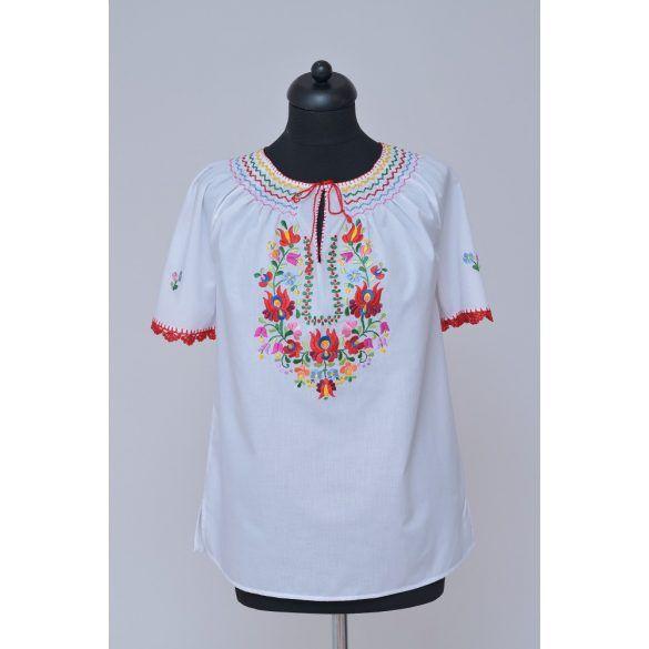f0f02d08f2 Hímzett blúz matyó mintával 1 Hungarian blouses   Hungarian blouses ...