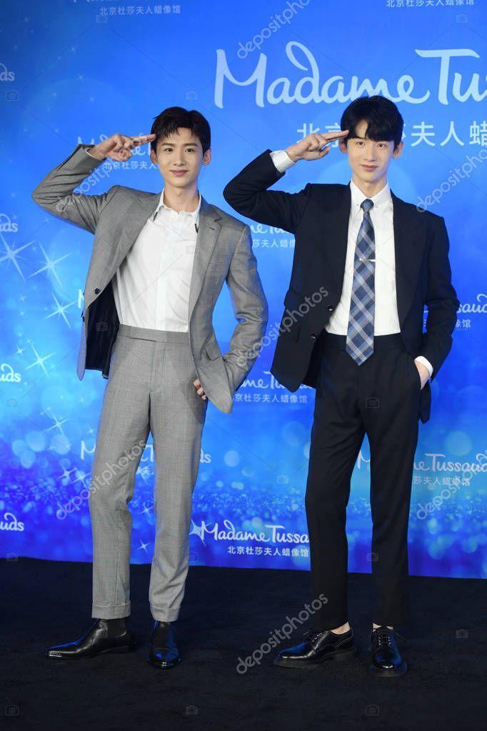 Chinese Actor Bai Jingting Left Poses Wax Figure Him Unveiling - Stock Ph ,