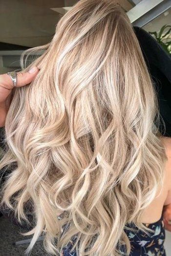 Champagne is the Latest Color Hair We're Crazy For en 2019