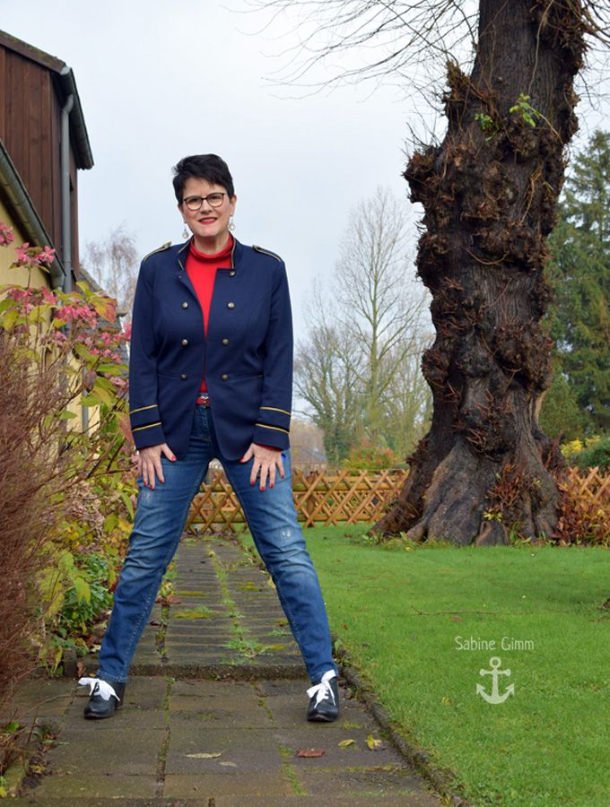 a1ba0fa194fca9 ... Sabine Gimm - Bling-Bling over 50. Oitfit mit gepimpten Schuhen - ohne  Geschichte kein Mehrwert