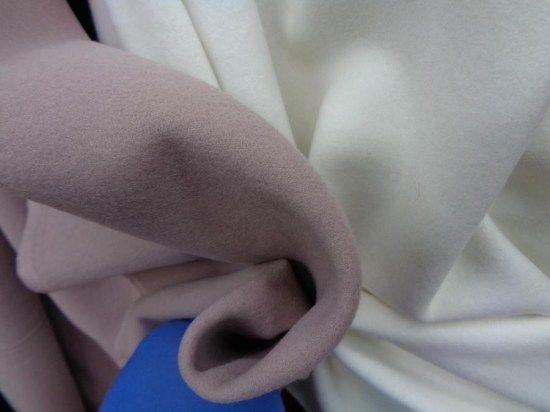 ΜΕΓΑΛΗ ΠΡΟΣΦΟΡΑ σε συνθετικό βελούρ-τύπου μάλλινο- σε απίθανο nude χρώμα, εξαιρετικής ποιότητας, για τα πιο στυλάτα ρούχα σας!