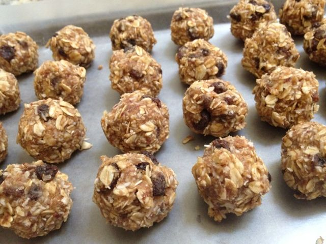 Vegan Energy Bites ~ A perfect Daniel Fast treat! Gluten-free, Sugar-free    www.creativekitchenadventures.com    #danielfast #glutenfree #vegan #vegansnacks #snacks #sugarfree #fastrecipes