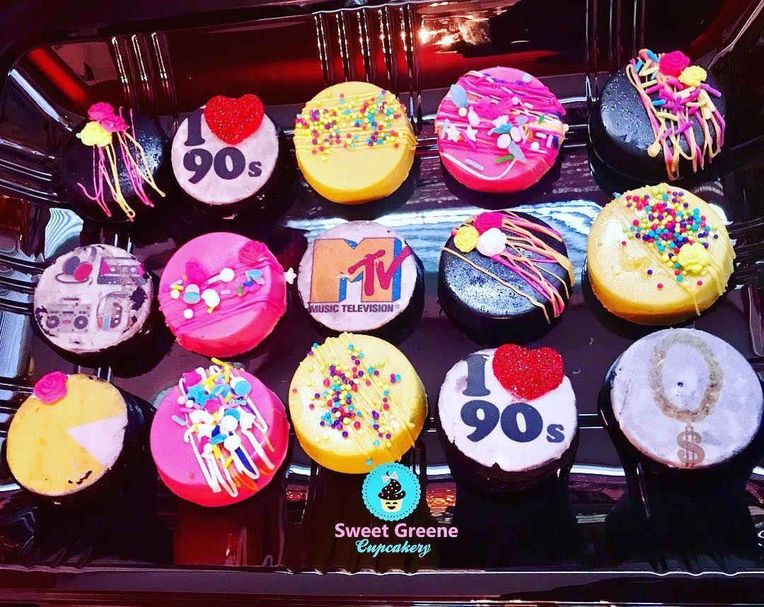 "24 x Las Vegas Mix 1.5/"" PRE-CUT PREMIUM RICE PAPER Edible Cake Toppers"