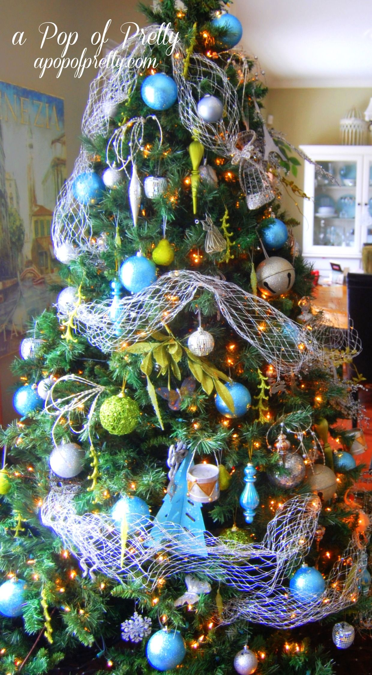 Christmas Tree Decorating Ideas with Bubble Ornaments