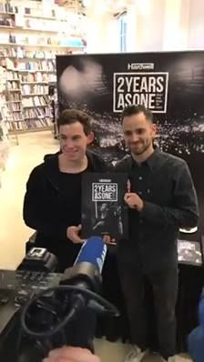 My book signing session in Amsterdam was fun! Order your copy here ➡️ hwl.dj/2YAOHWL