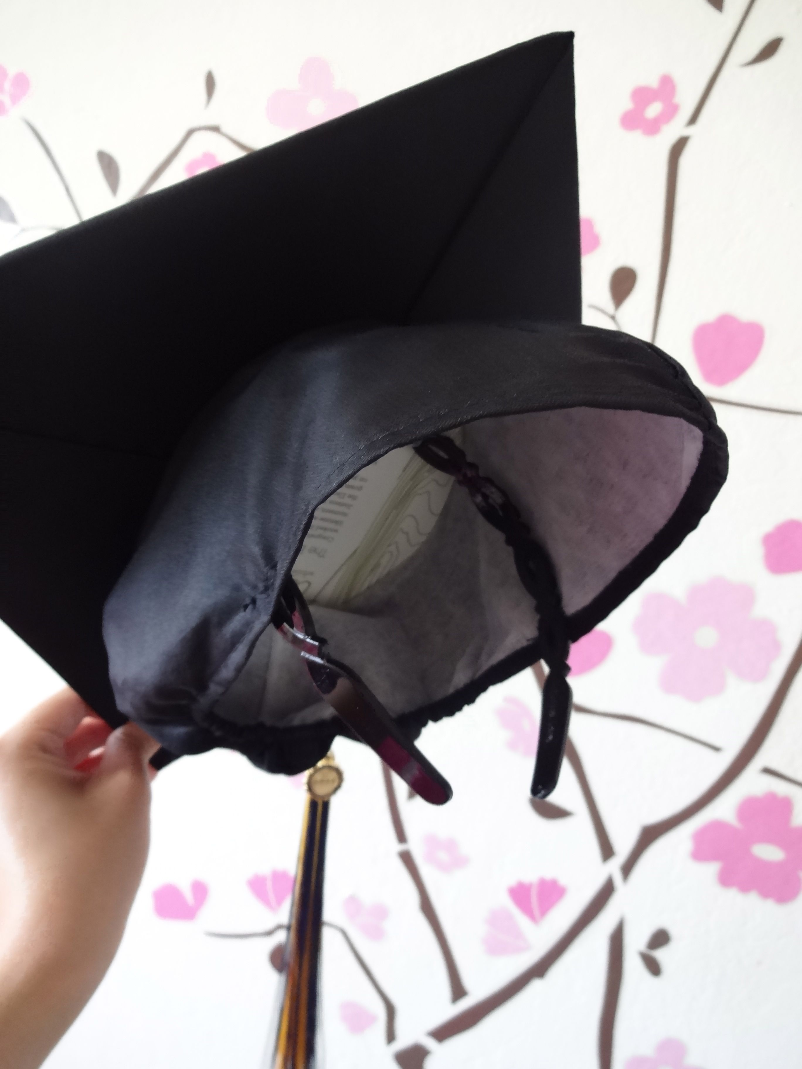 how to decorate graduation cap is that simple. A Simple Solution To Keep Your Graduation Cap From Falling Off \u2013 Tape Or Sew On Headband!! #graduation How Decorate Is That