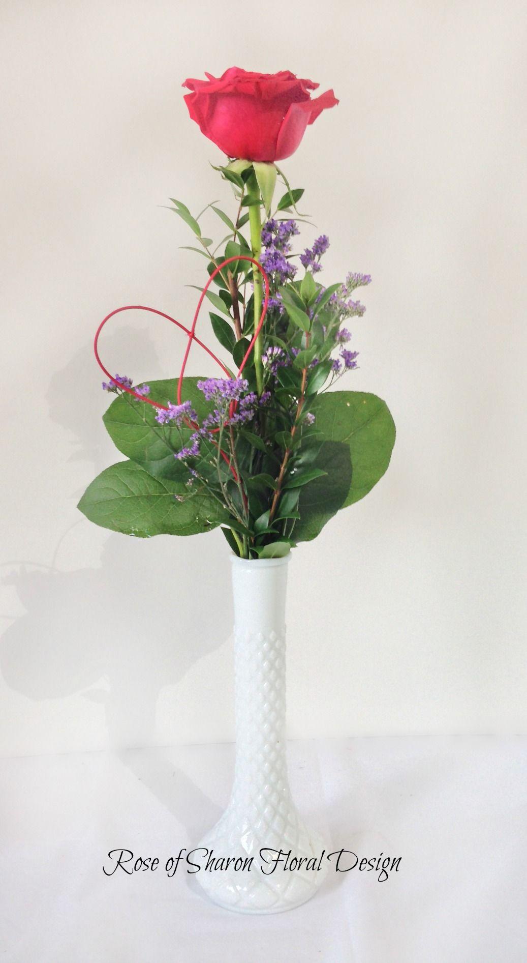 Single Rose Bud Vase With Salal Myrtle And Limonium Flower Arrangements Sola Flowers Bud Vases
