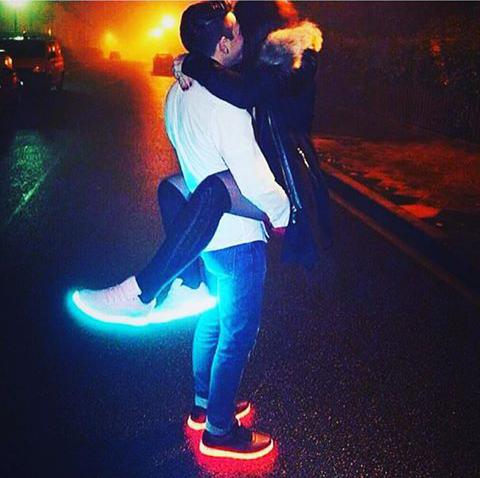 chaussure lumiere nike