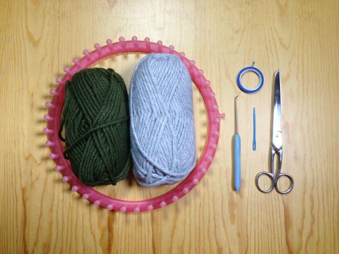 Materiales utilizados para tejer gorro con orejeras en telar | telar ...