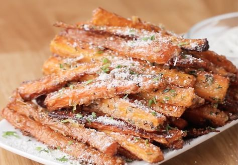 These Garlic Parmesan Carrot Fries Are Almost Too