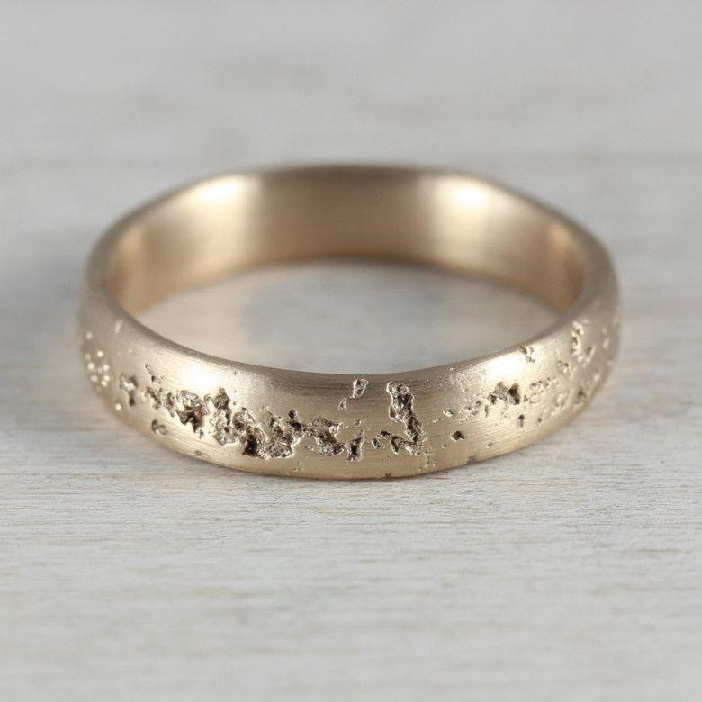 Modern Minimal Ethical Wedding Jewelry from Aidemmoire Wedding