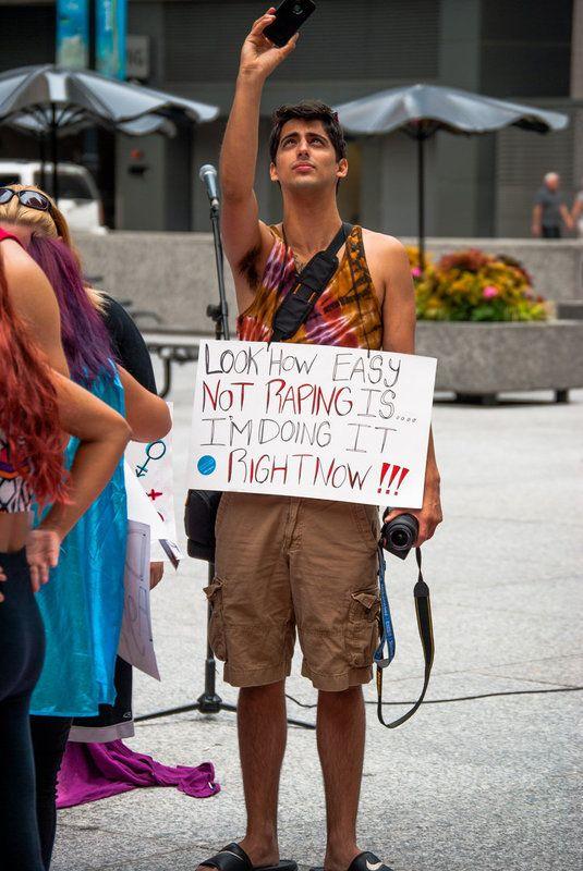 Photo of You Can Be Anti-Trump Without Slut-Shaming Melania