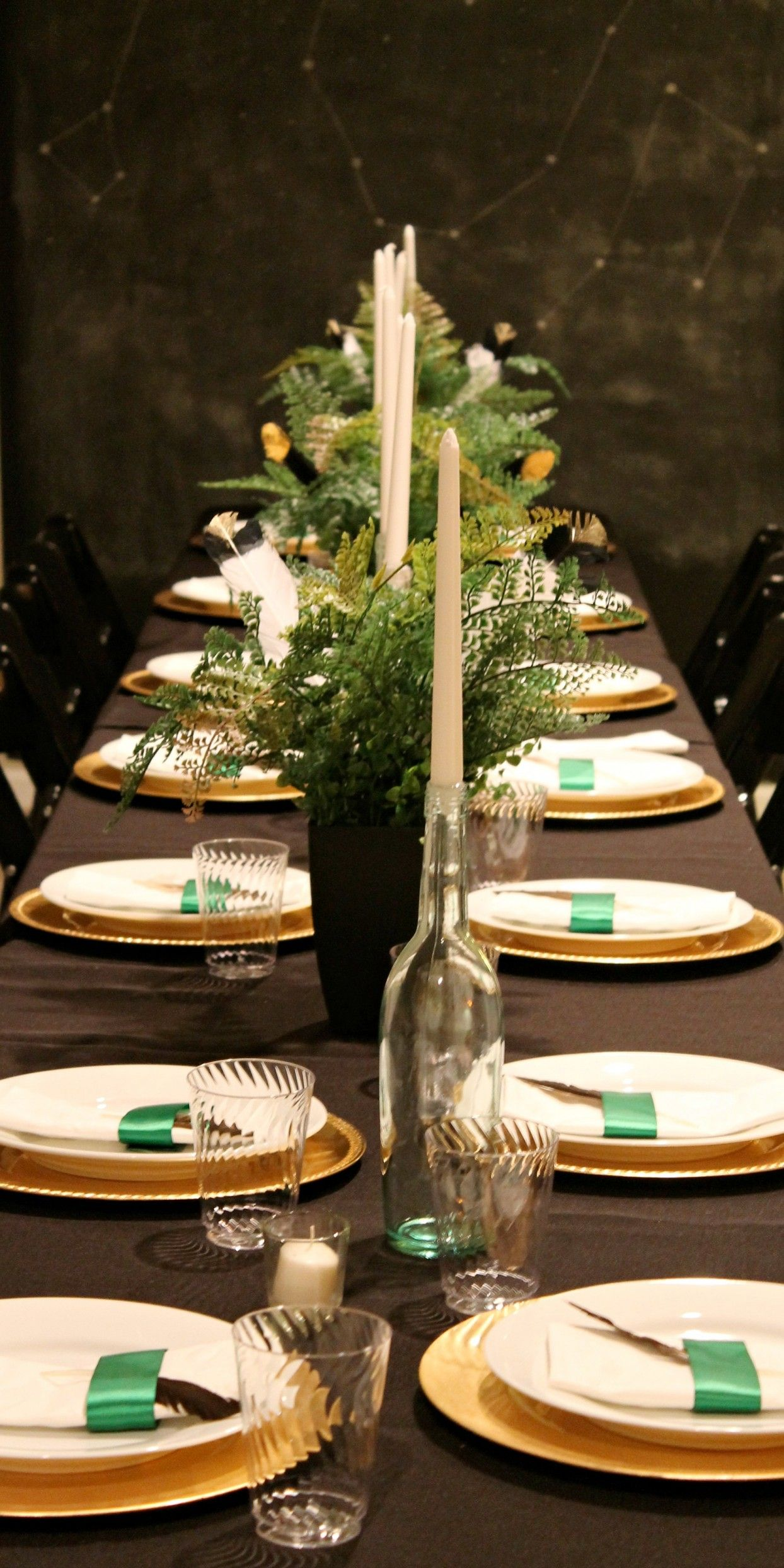 Ferns And Feathers Christmas Dinner Party Table Decorations With Neutral  Themed Table And Dining Settings And White Tablewares Feats Fern And Turkey  Feather ...