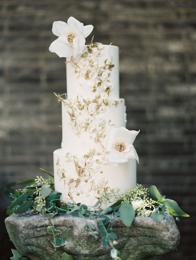 exquisite wedding cake by Maggie Austin Cake
