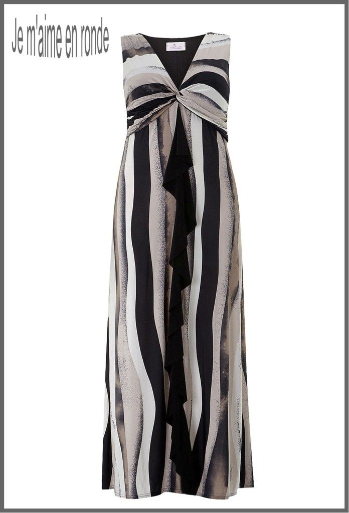 cde22548959 Robe très longue jusqu aux pied taille maxi 50.