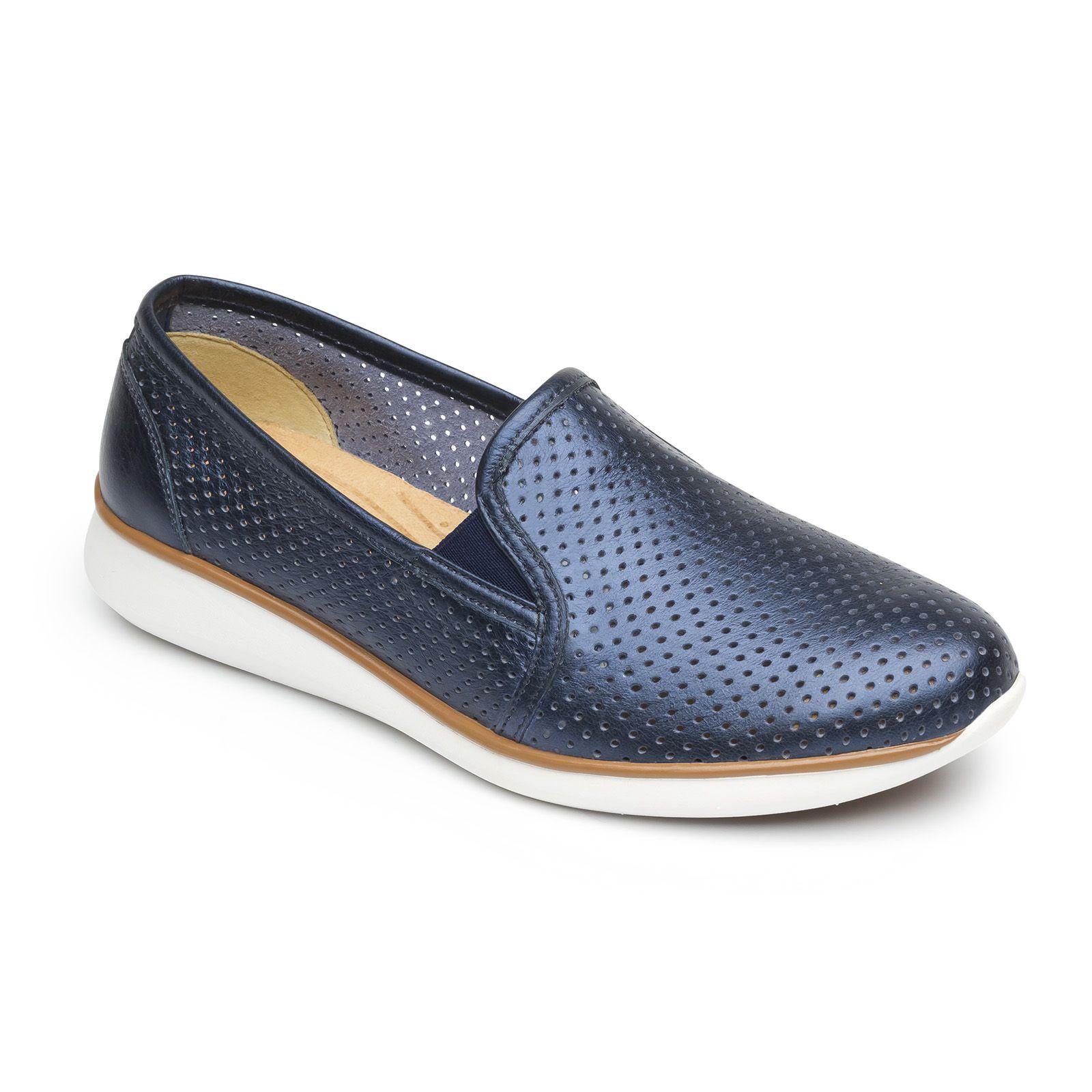 5c7ef13c Sneaker perforado | Zapatos | Zapatos dorados, Zapatos nude y Zapatos planos