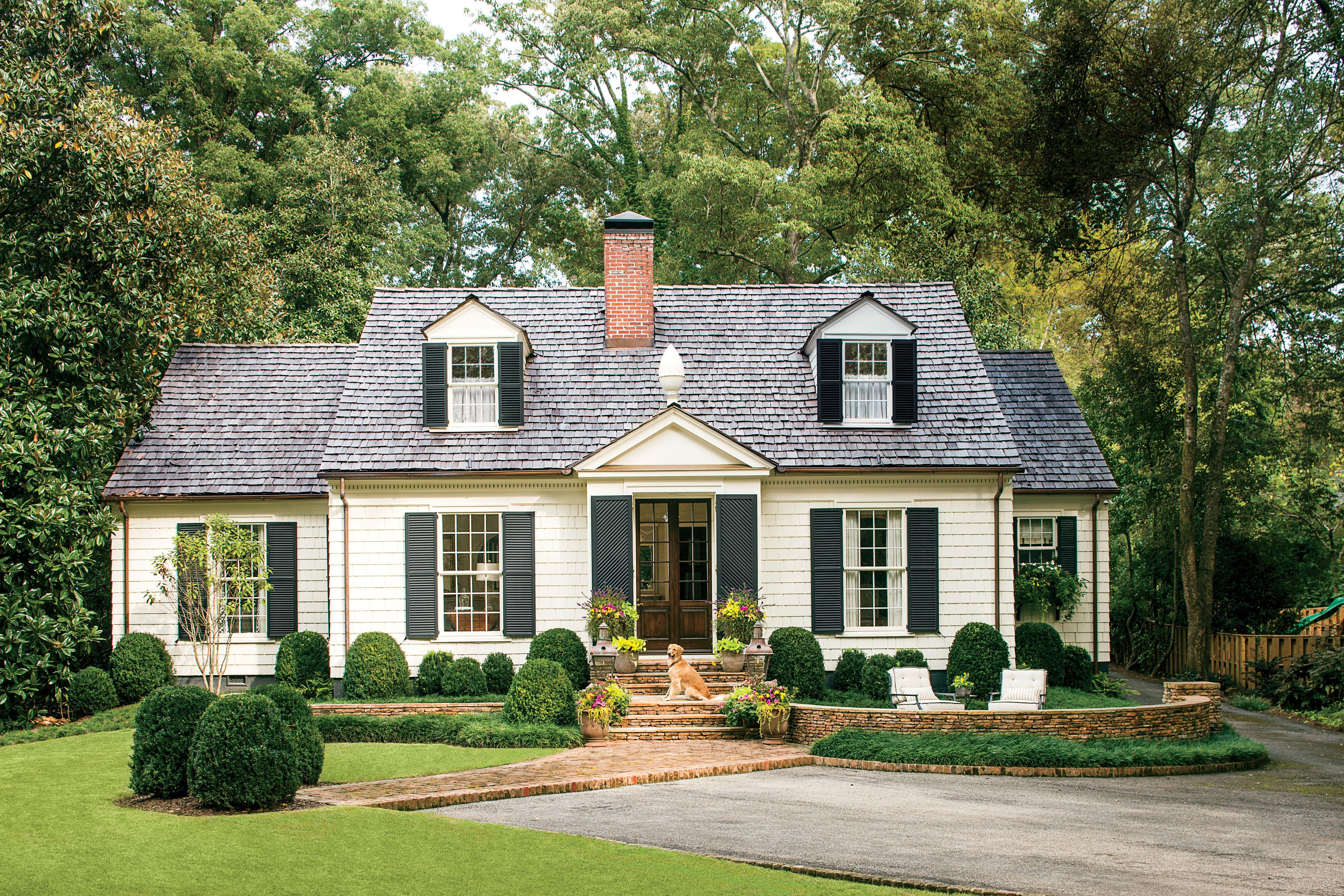 charming cottage curb appeal makeover home decor. Black Bedroom Furniture Sets. Home Design Ideas