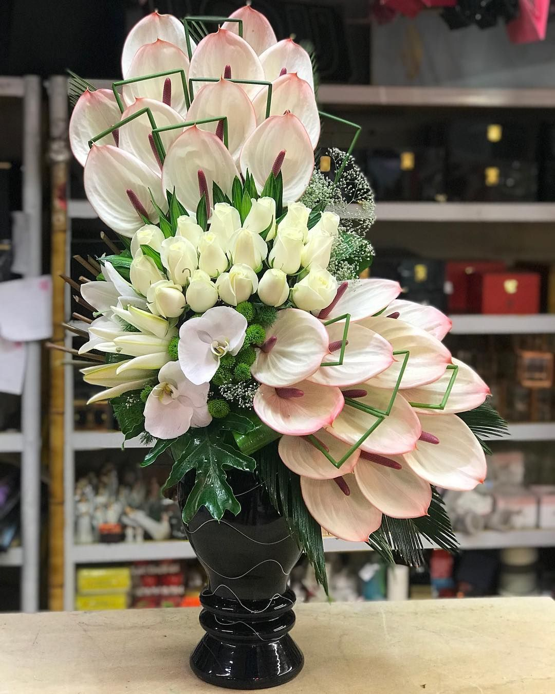 Pin by ellie on flower arrangements in 2020 with images