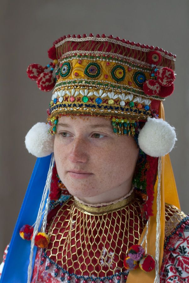 "traditional Russian folk costume Девичий головной убор - ""лобазня"". Тульская обл. д.Алешня."