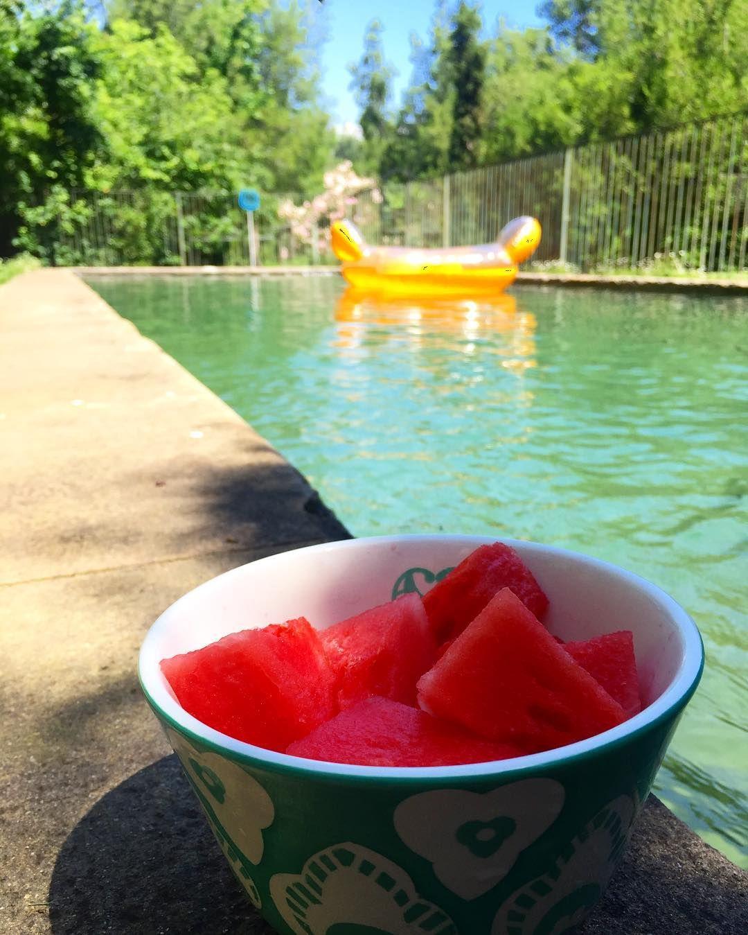 La mejor manera de escapar de la ola de calor  #sandia