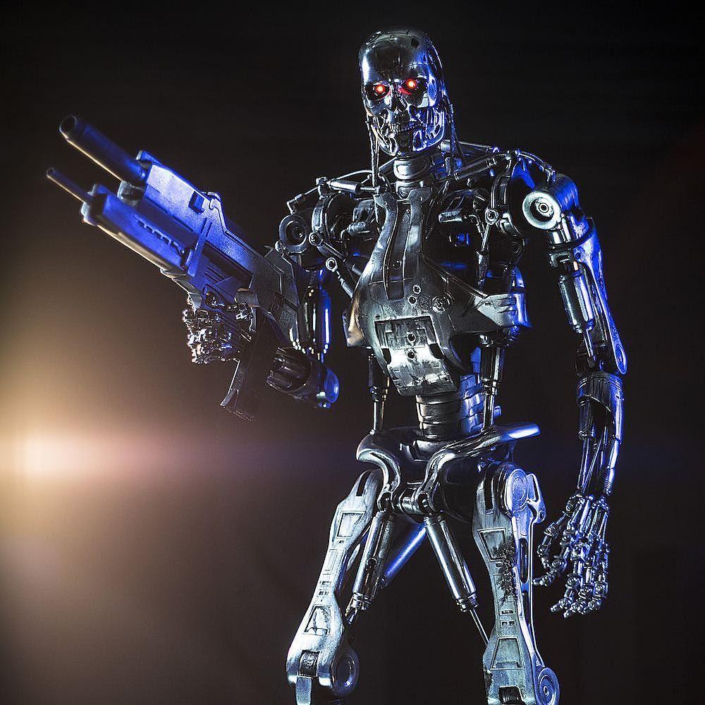 терминатор фото всех роботов роли трубадура