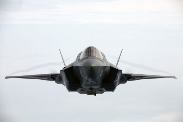 Here's Your New Wallpaper: A Pitch Perfect Photo of an F-35