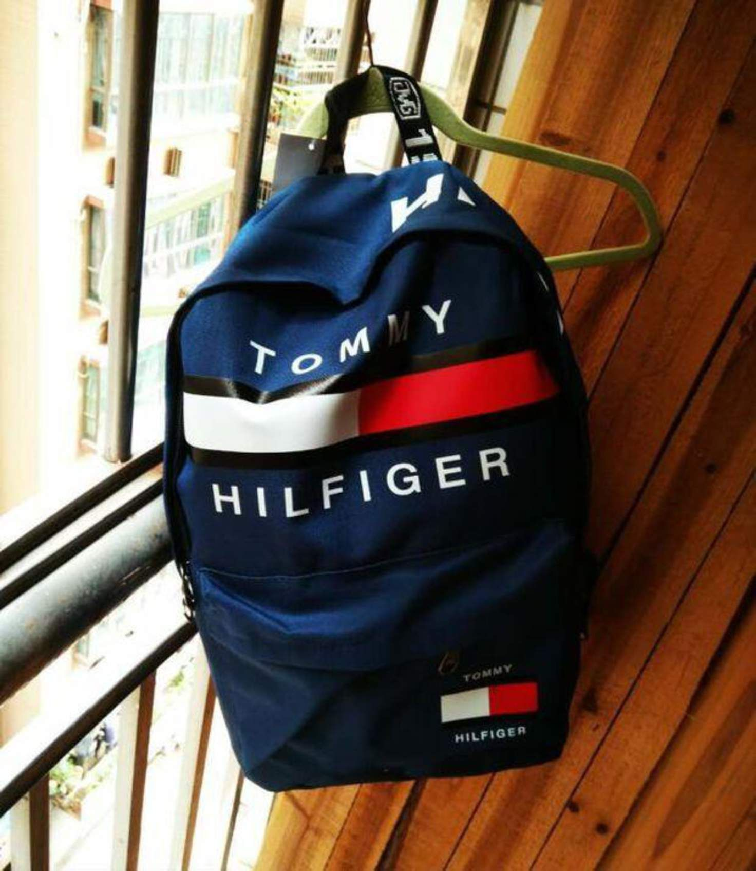 Tommy Hilfiger Casual Sport Laptop Bag