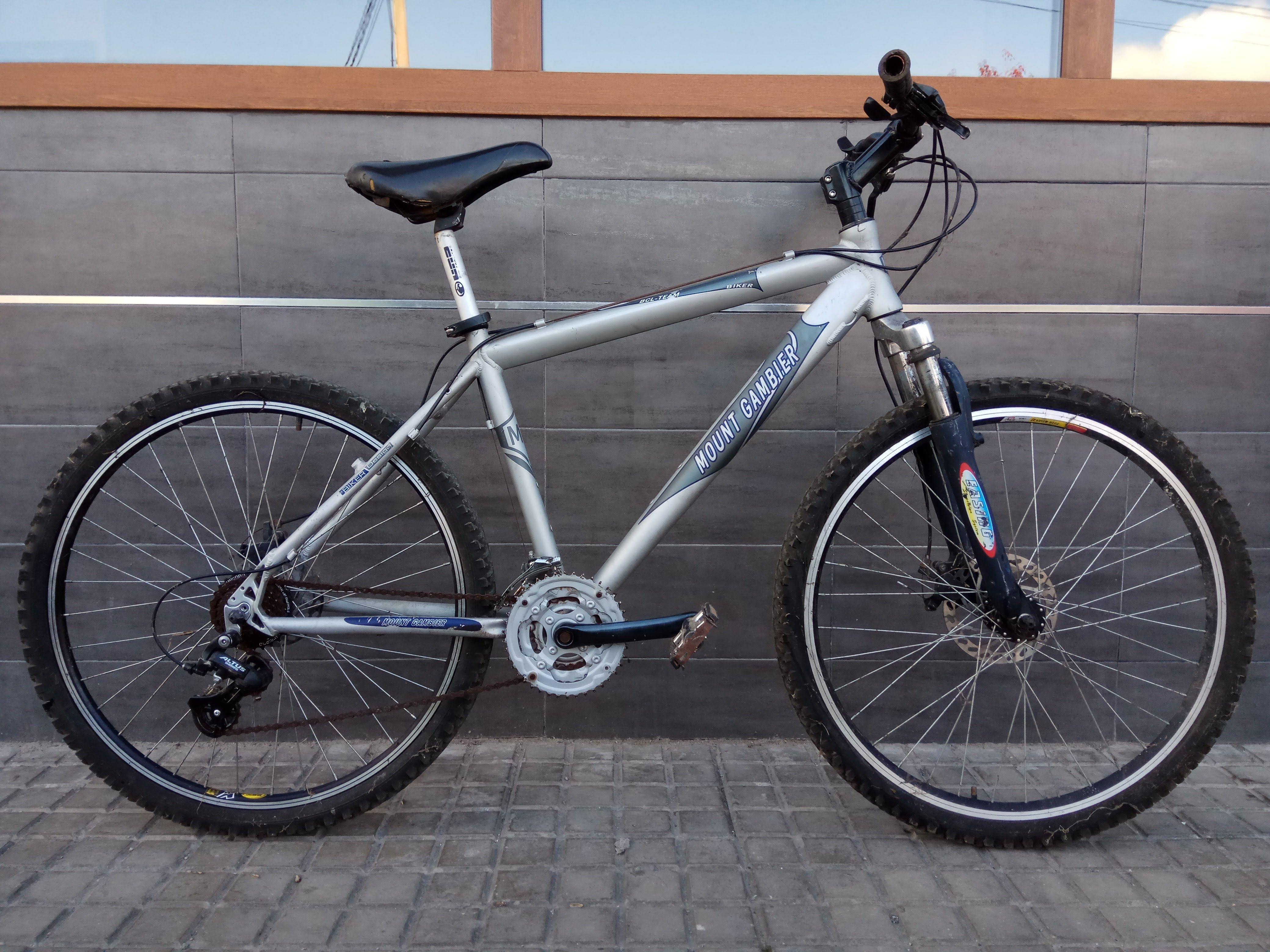 Bicicleta con Frenos de Disco 100€ MARCA: Mount Gambier MODELO: Blc ...