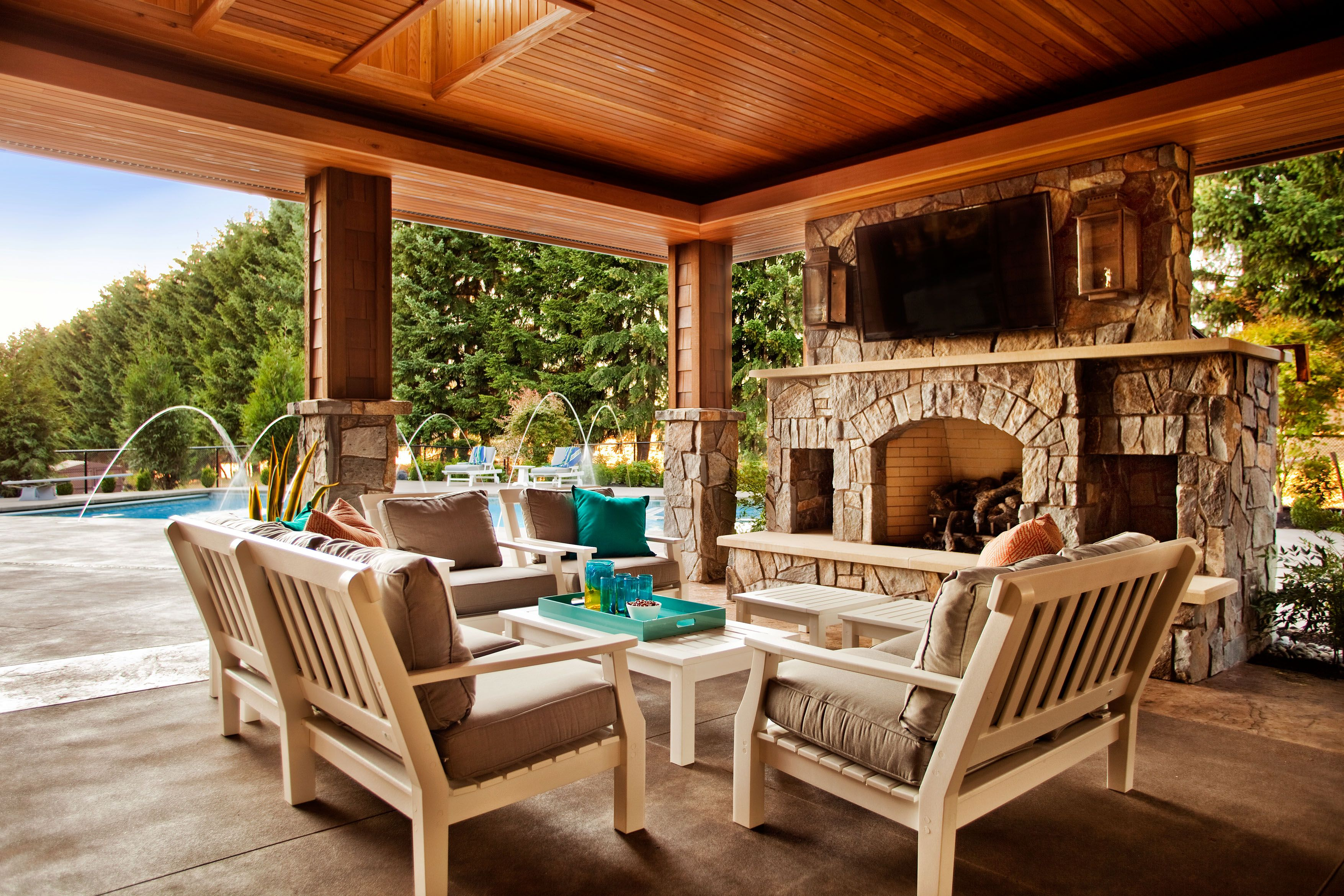 Rustic covered patio ideas - Fascinating Covered Patio For Outdoor Space Design Ideas Designer Brown Wooden Ceiling Exposed Panel Over Wooden Dining Patio Set With Brown Fabric Seat