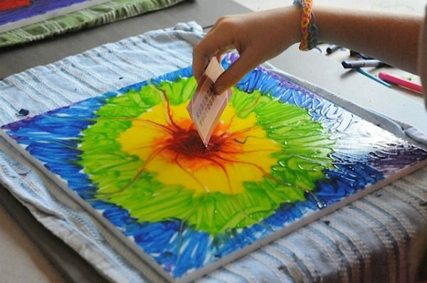 Crayon Painting Beautiful Easy Fast And A Great Way To Use Up Some Of Those Buckets Full Crayons Art Projects