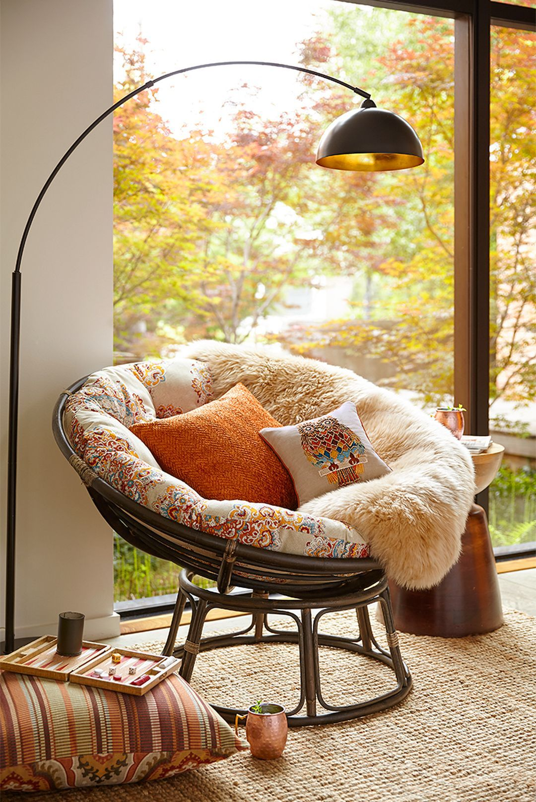 I Would Love To Have A Cozy Nest Corner With A Papasan Chair, Teeny End  Table (plant Stand? Cece Would Love That Too :)