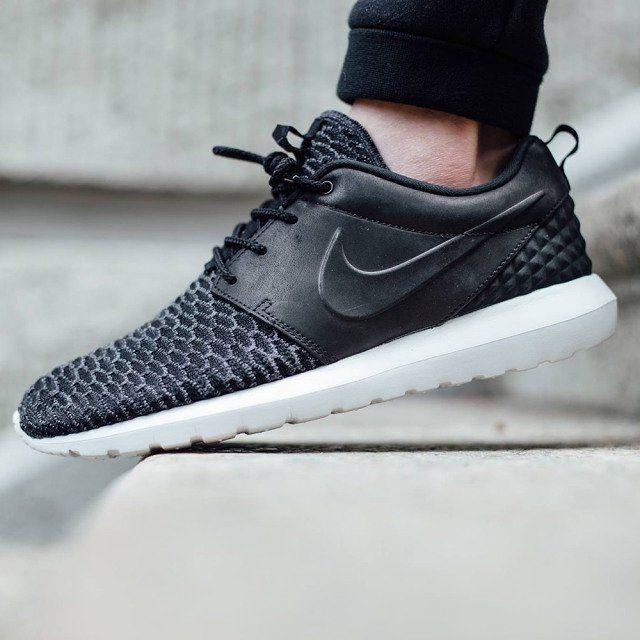 Nike Roshe Run Flyknit Black Sneakers Nike Roshe Flyknit Nike Shoes Outlet Running Shoes Nike