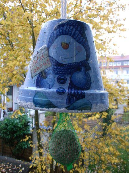 Geschenk Idee Winter Deko Garten Schneemann mit Meisenknödel Weihnachten